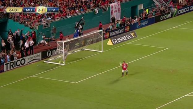 Video «Rooneys kurioses Nicht-Tor gegen Liverpool» abspielen