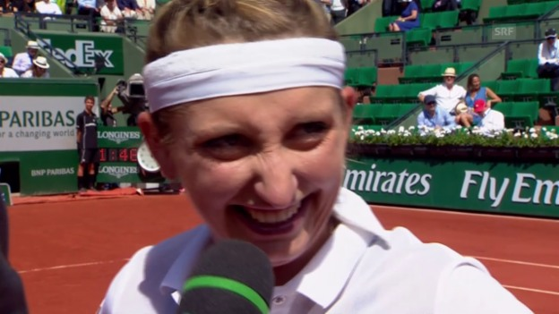Video «Tennis: French Open, Viertelfinals, Platzinterview Bacsinszky» abspielen