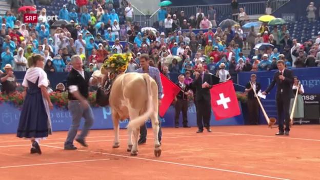 Video «Willkommens-Zeremonie für Federer in Gstaad («sportaktuell»)» abspielen
