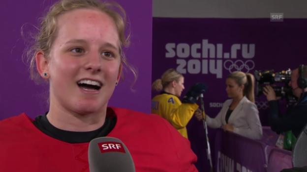 Video «Sotschi: Eishockey, Frauen-Nati, Interview mit Lara Stalder» abspielen