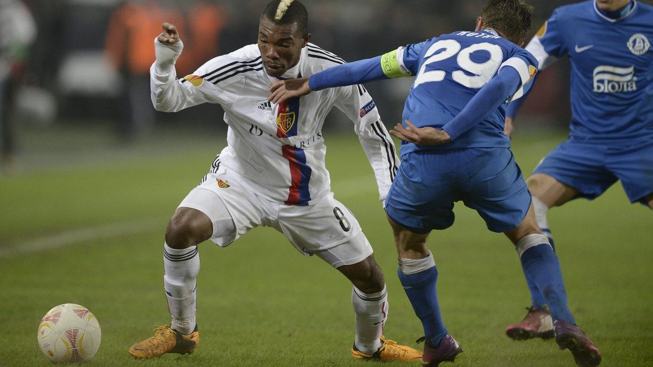 Basel kämpft sich in Achtelfinals