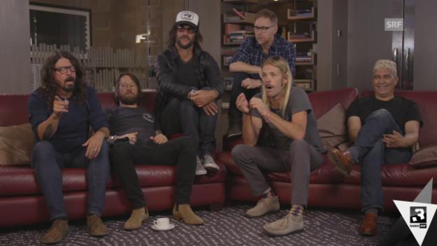Video «Foo Fighters: «Wir sind niemals besser als AC/DC!»» abspielen