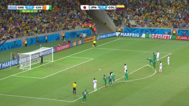 Video «Fussball: Griechenlands Last-Minute-Penalty» abspielen