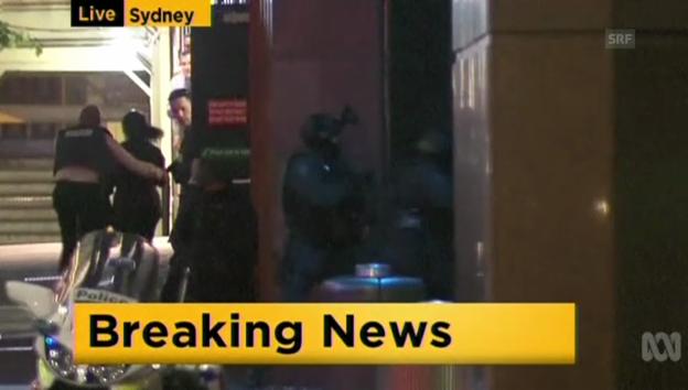 Video «Polizei stürmt Café in Sydney» abspielen