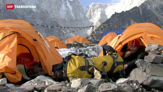 Video «Prügelei am Everest» abspielen