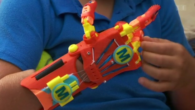 Video «Günstige Handprothese» abspielen