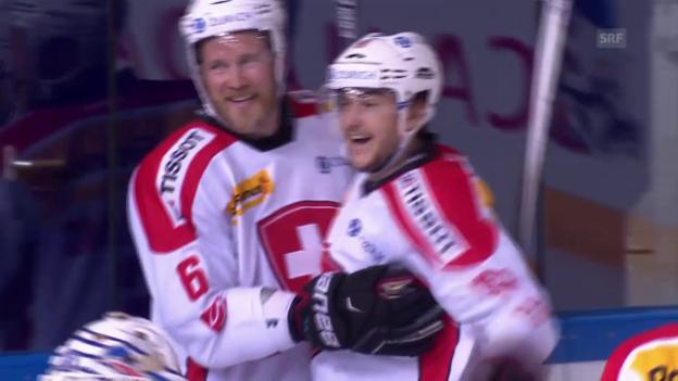 Video «Eishockey: 2 Tore von Timo Helbling» abspielen