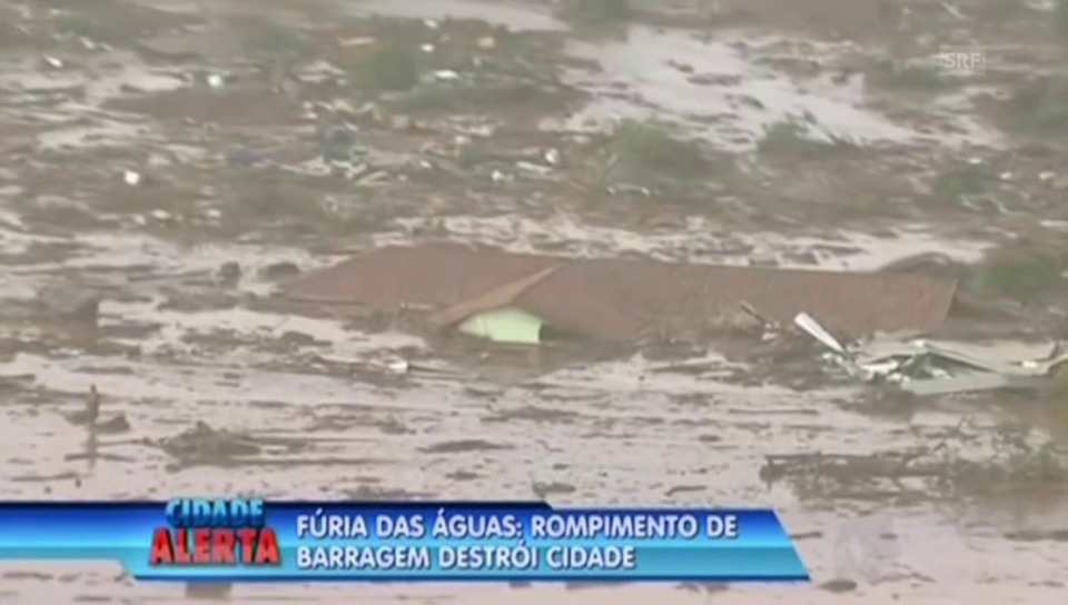 Schlammlawine begräbt Ortschaft in Brasilien (bras. Originalkommentar)