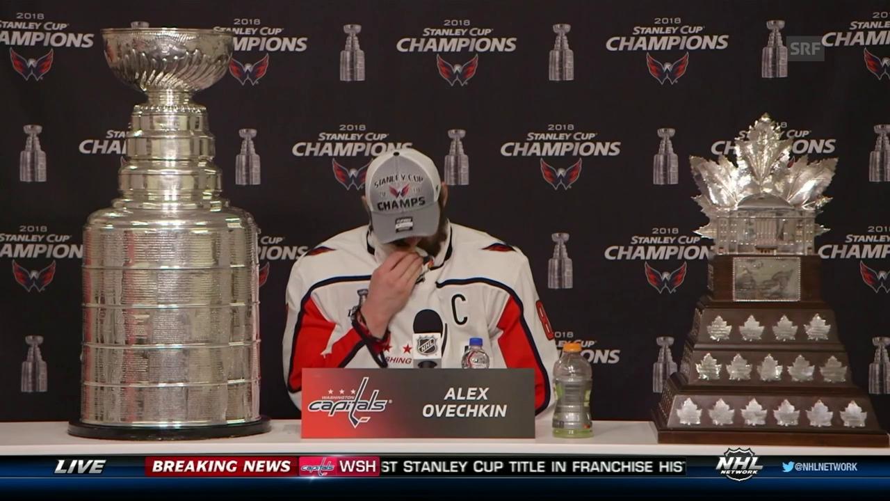 Owetschkin mit dem Stanley Cup