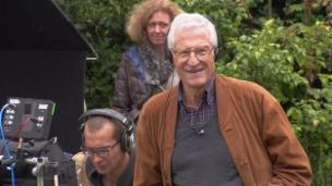 Link öffnet eine Lightbox. Video Rolf Lyssy – Der Filmemacher abspielen.