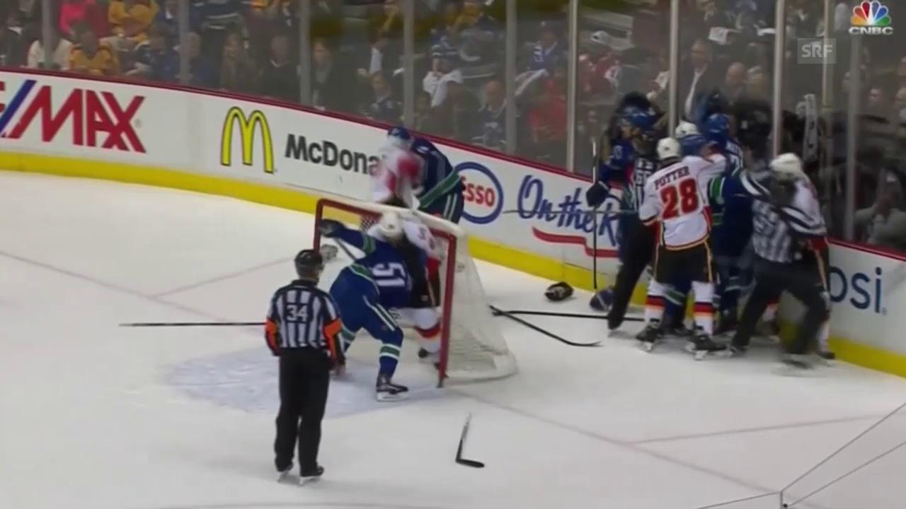 NHL: Massenschlägerei bei Vancouver - Calgary (Quelle: SNTV)