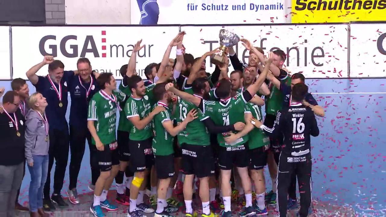 Wacker Thun erhält den Meisterpokal