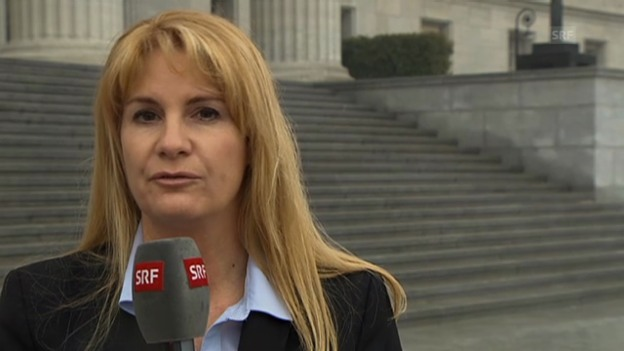 Video «SRF-Korrespondentin Alexandra Gubser zum öffentlichen Prozess» abspielen