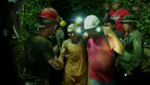 Video «Gerette Kumpels werden versorgt» abspielen