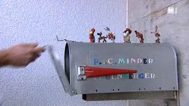 Video «01.12.09: Briefkasten-Posse: Regulierungswahn der Post» abspielen