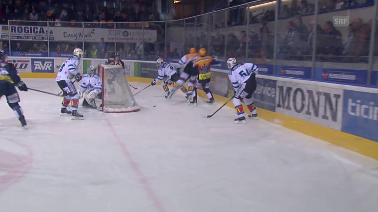Eishockey: Check von Nicklas Danielsson