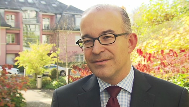 Video «SVP-Nationalrat Gregor Rutz zum Initiativ-Verbot» abspielen