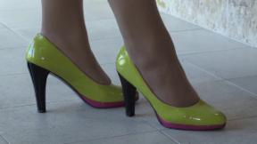 Video «Diamond Heels: Schuhe für eine einzige Frau» abspielen