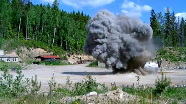 Video «Der Minenräumer im Einsatz (Quelle: Stiftung Digger)» abspielen