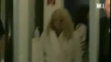 Video «Madonna im Bademantel» abspielen
