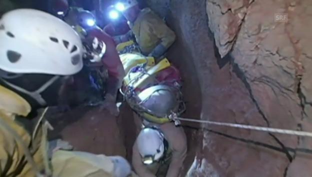 Video «Die ersten Bilder der Rettungsaktion» abspielen