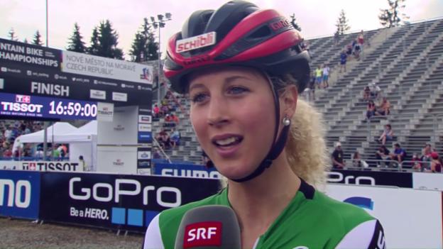 Video «Neff über ihre Rückenschmerzen im WM-Rennen» abspielen