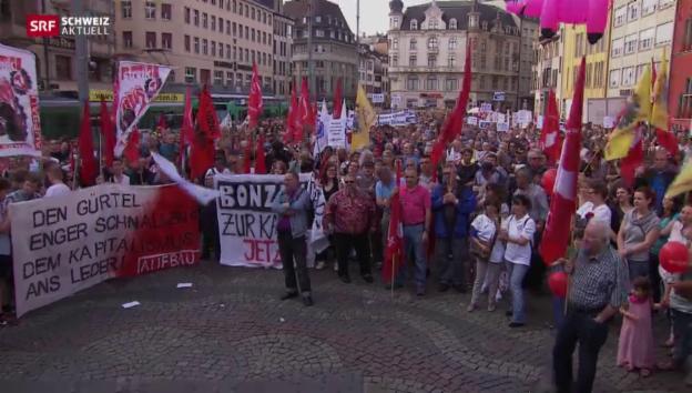 Video «Staatsangestellte demonstrieren gegen Sparpläne» abspielen