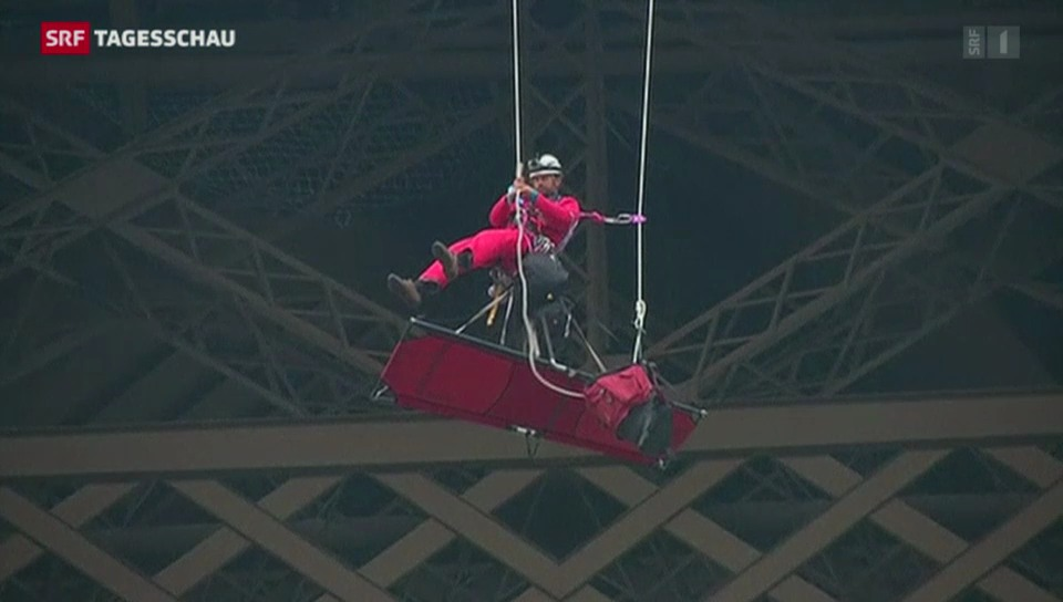 Greenpeace-Aktion auf dem Eifelturm