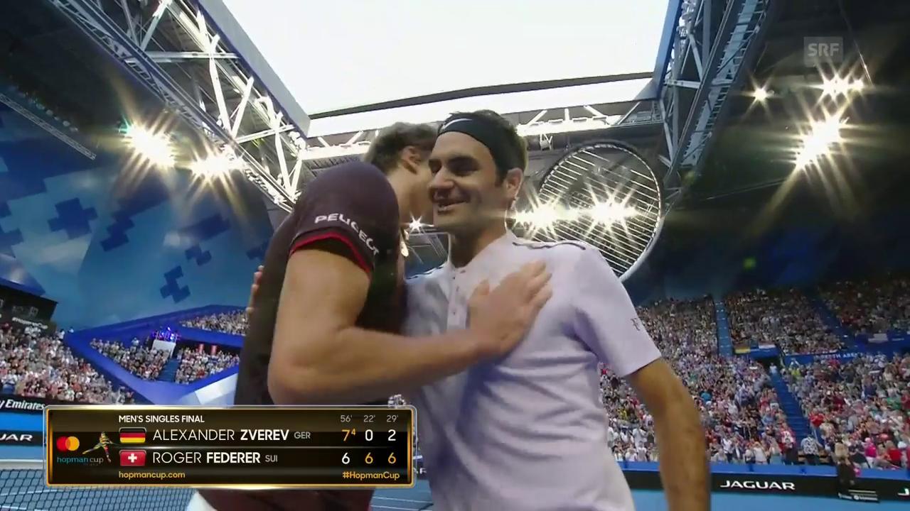 Federer schlägt Zverev und bringt die Schweiz auf Titel-Kurs