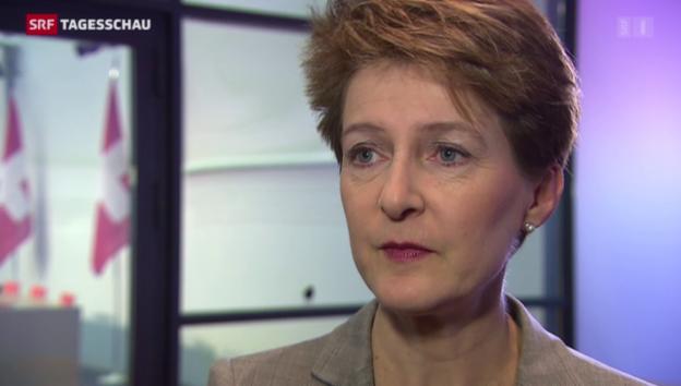 Video «Bundespräsidenten Sommaruga zeigt sich betroffen» abspielen