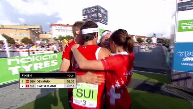 Video «Mixed-OL-Staffel holt WM-Silber» abspielen