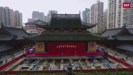 Link öffnet eine Lightbox. Video 2000 Tonnen schwerer Tempel verschoben abspielen