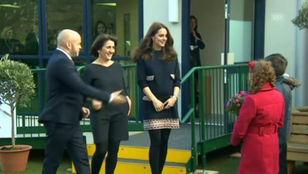 Video «Kates erster Auftritt im neuen Jahr» abspielen