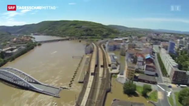 Video «Teile Mitteleuropas immer noch unter Wasser» abspielen
