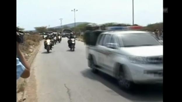 Video «Polizei und Ambulanz rückt nach Gefängnisrevolte an. (Originalkommentar)» abspielen