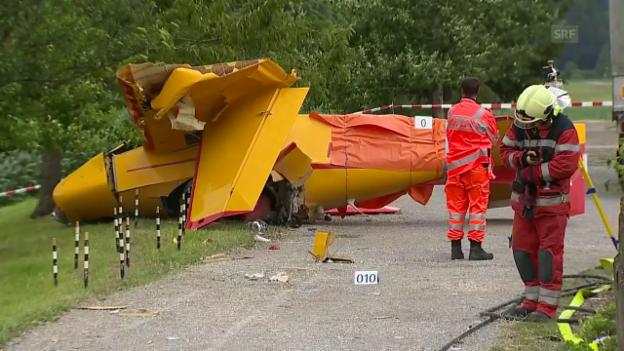 Video «Flugzeugabsturz bei Pfäffikon ZH» abspielen