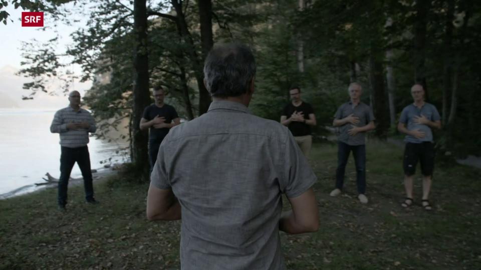 Männer-Ritual im Wald