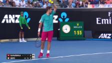 Link öffnet eine Lightbox. Video «Come on Roger» - Wawrinka witzelt mit den Fans abspielen