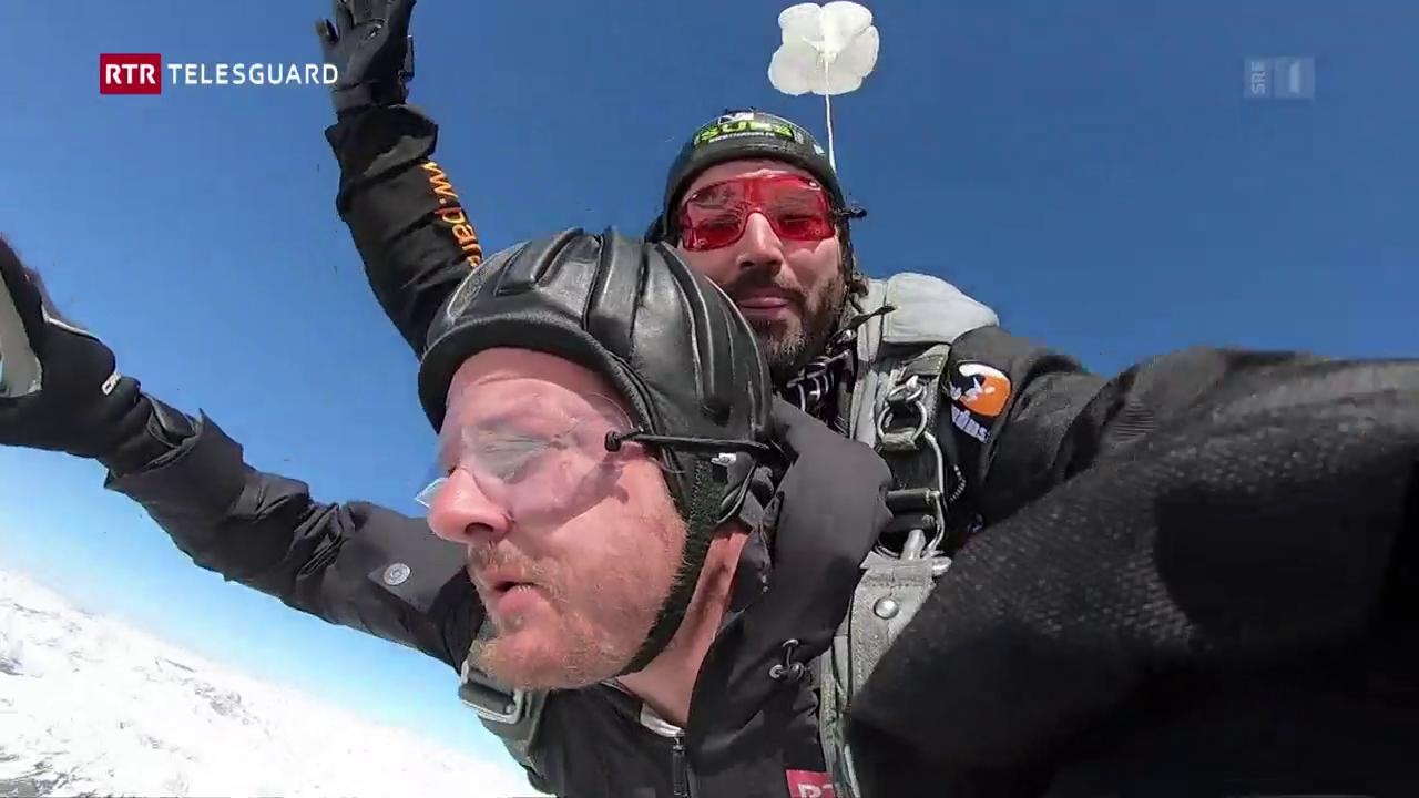 Emna da skydiving a Samedan