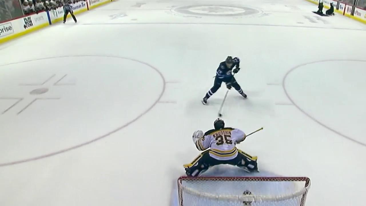 Laines Penalty entscheidet das Spiel gegen Boston