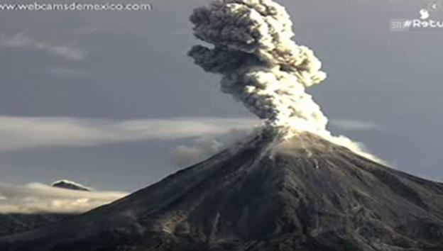 Video «Der Ausbruch des Vulkans Colima im Zeitraffer (unkomm.)» abspielen