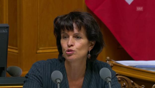 Video «Verkehrsministerin Leuthard: 500 Kilometer werden überlastet sein» abspielen