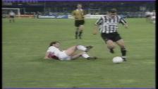 Video «Zinedine Zidane wird 1998 Weltfussballer des Jahres» abspielen