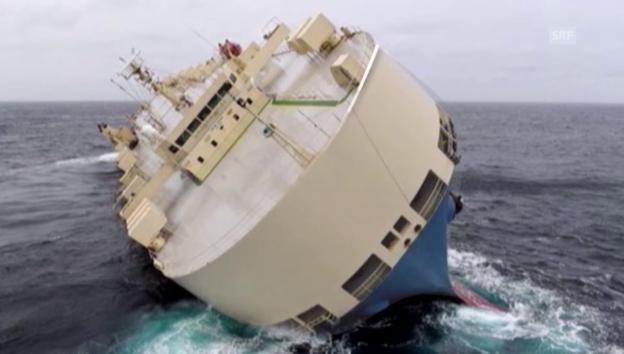 Video «Der Frachter treibt beständig in Richtung Küste (unkomm.)» abspielen