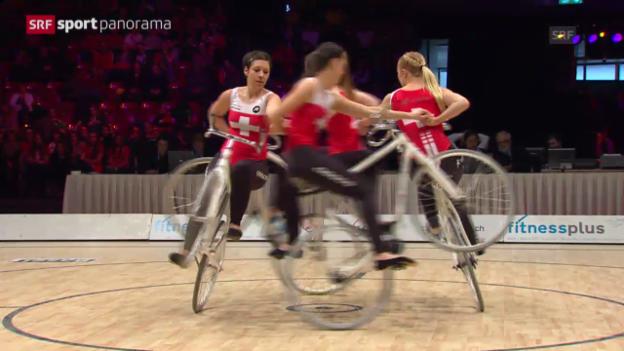 Video «Kunstrad: Schweizerinnen holen WM-Silber» abspielen