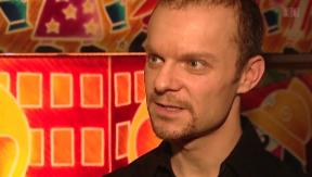 Video « Roland Herrmann: Zwillinge im «Café Bâle»» abspielen