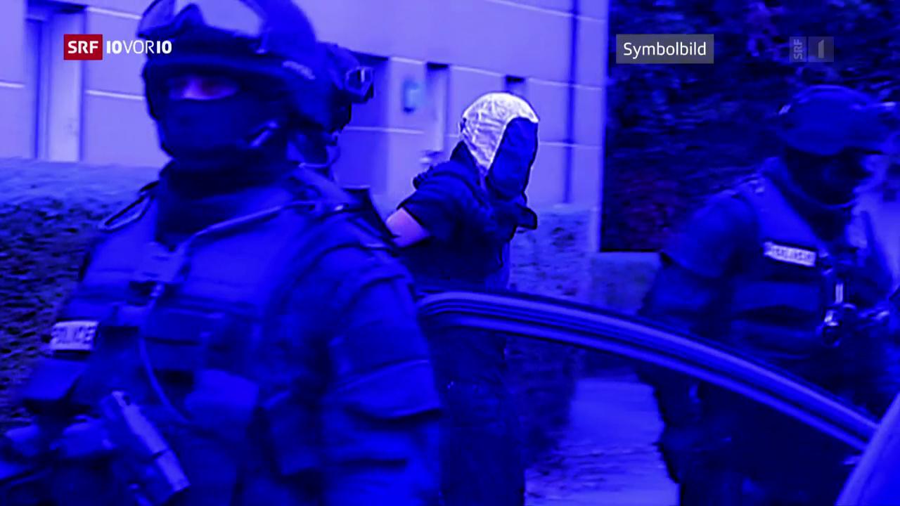 FOKUS: Koordinierte Hausdurchsuchungen und Verhaftungen in der Schweiz und Frankreich