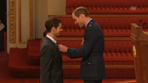 Video «Andy Murray erhält den Orden «Order of the British Empire».» abspielen