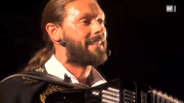 Video ««Dr Eidgenoss»: Mit Mami auf der Bühne» abspielen