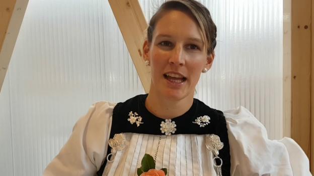 Video «Berner Sonntagstracht Sonja von Känel» abspielen